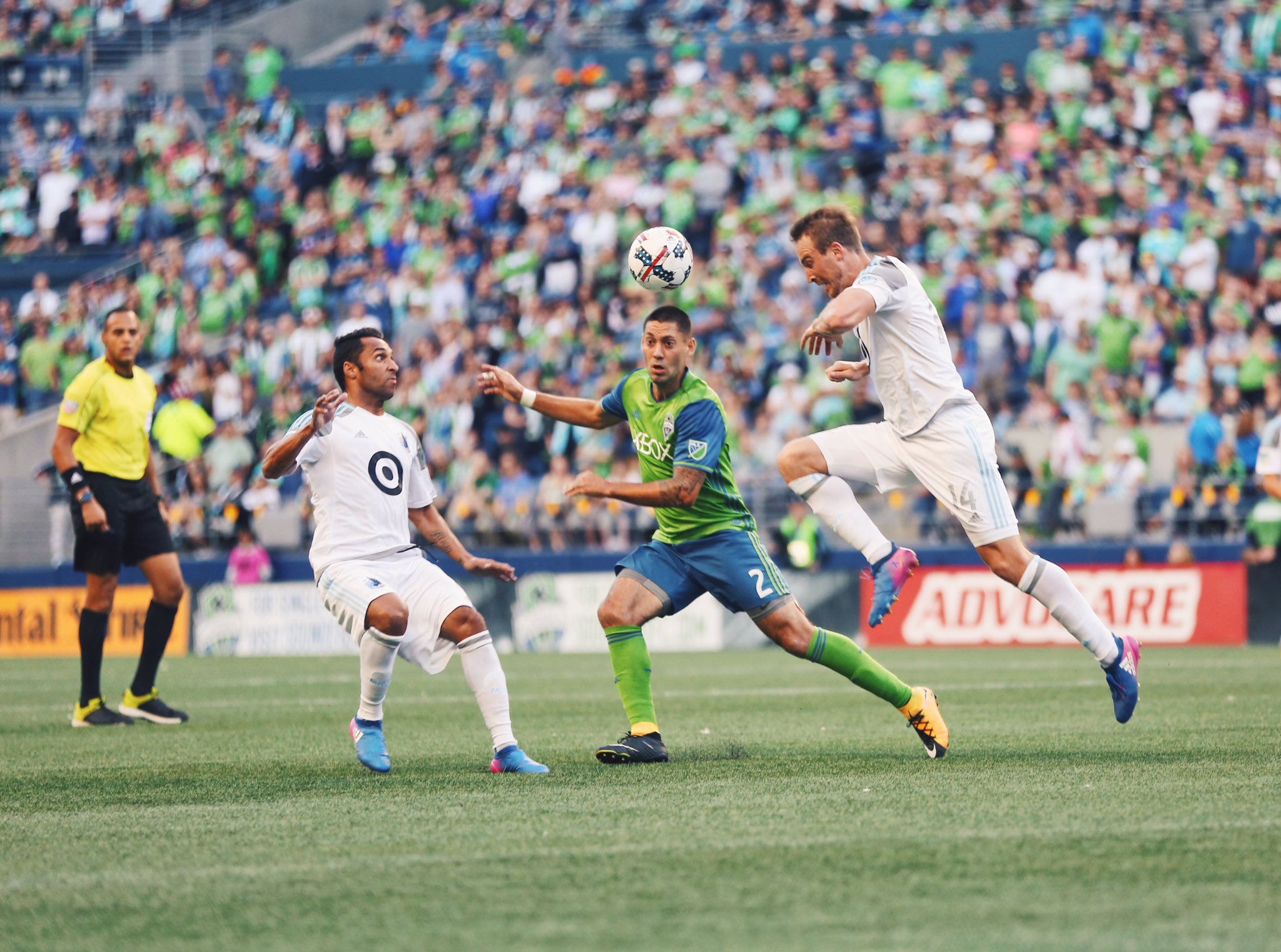 RT @SoundersFC: Just over 10 minutes plus stoppage time remaining in #SEAvMIN. We're all square at 1-1. https://t.co/LZ6YMso9k0