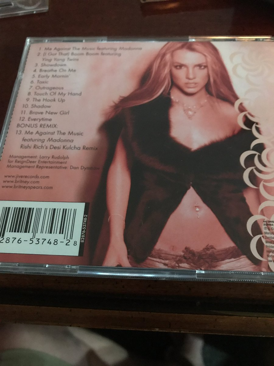 Have you found Fame @ The Vinyl Record ?  @britneyspears @TheBritneyArmy   M is 4 #Music    New #Britney Tribute     https:// youtu.be/0L7Y5prQtrY  &nbsp;  <br>http://pic.twitter.com/P9EaF2ohRF