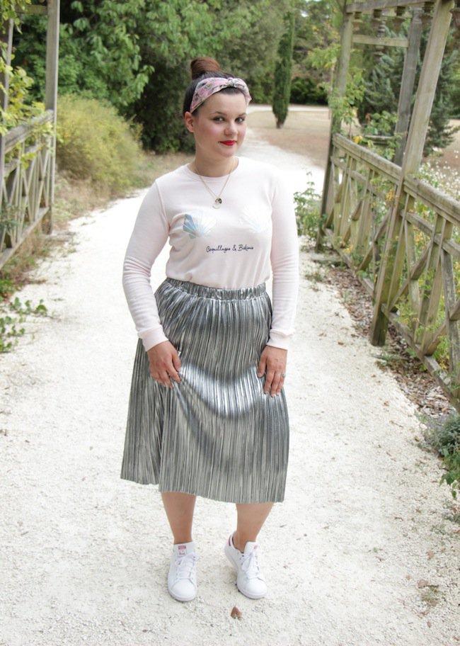 NEW #blog Sirène en jupe plissée argentée  http:// bit.ly/2vg907K     beau lundi mes  #look #ootd #outfit #outfitoftheday #larochellepic.twitter.com/BVII5M1CTl