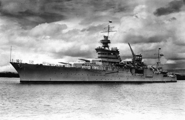 Billionaire finds USS Indianapolis in the Philippine Sea 72 years after it sunk https://t.co/h8fi039tUC