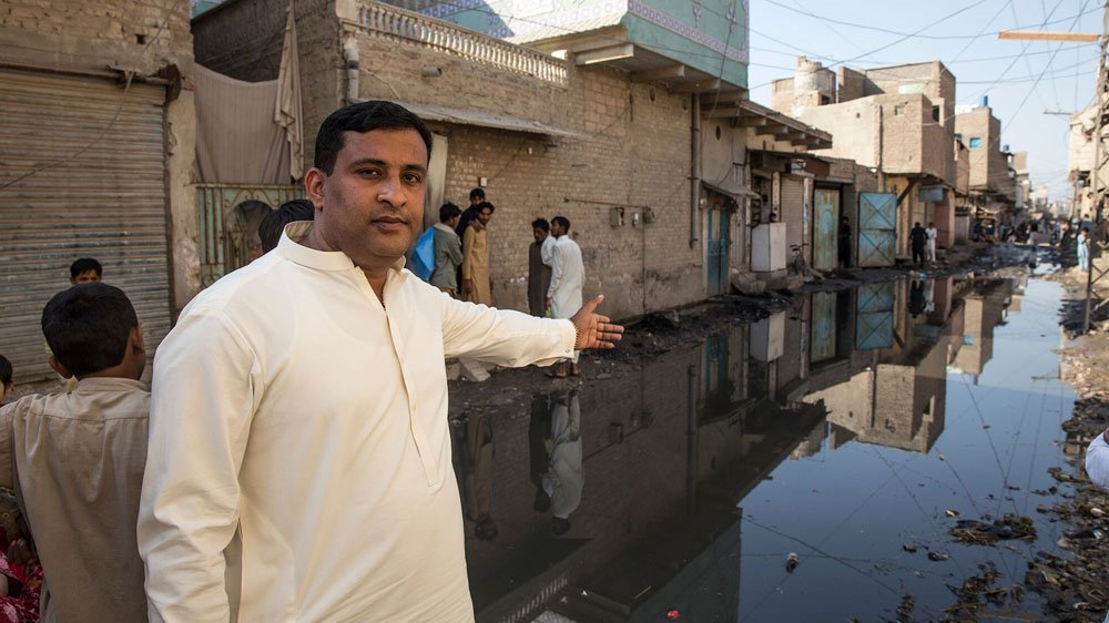 This is home town of #PPP elite #Leaders n #BilawalBhutto #Larkana 4m where 30yrs ruld then just imagine bt rest f #Sindh #nationrejectsppp<br>http://pic.twitter.com/kWsttm2QYv
