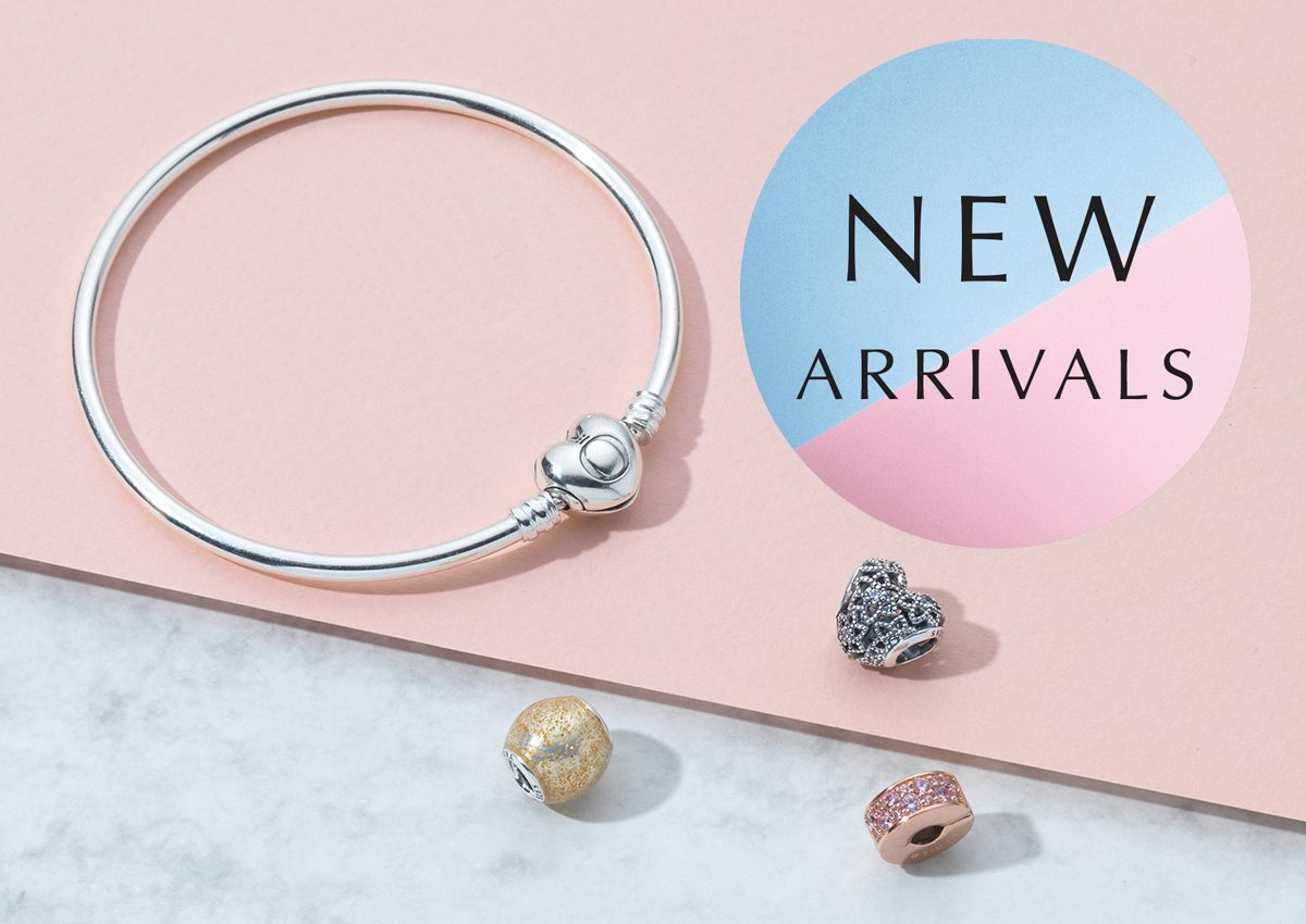 19550dd0a We love the brand new PANDORA Moments Bangle with a heart clasp! What's  your favourite new arrival? http://www. swaguk.co.uk/pandora/autumn  -collection …