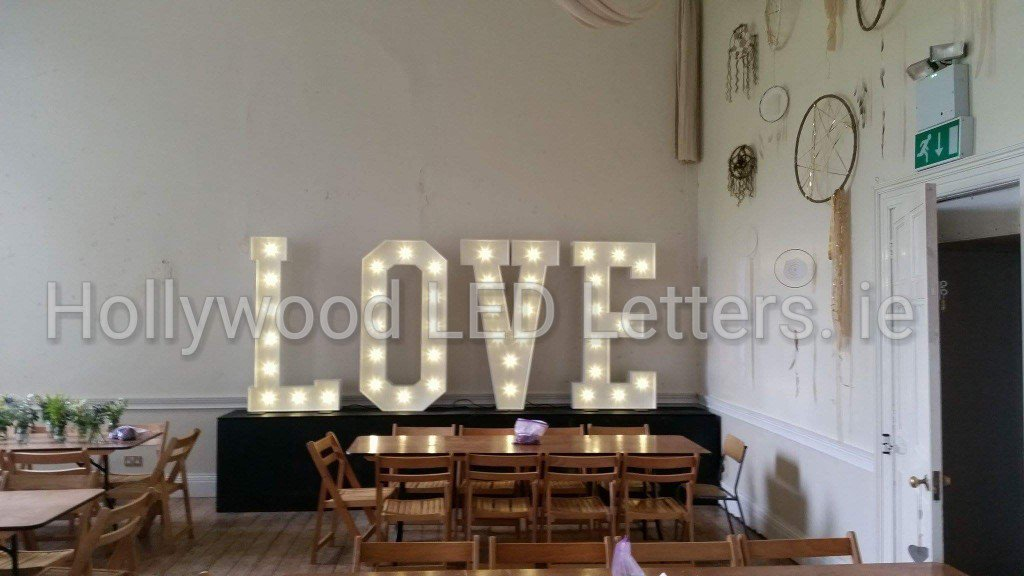 Our 5ft #LightUpTheLOVE letters at the beautiful #KillyonManor #HillofDown #Meath #hollywoodledletters @LEDletters #lovelettersmeath #events<br>http://pic.twitter.com/CuuTPnmByu