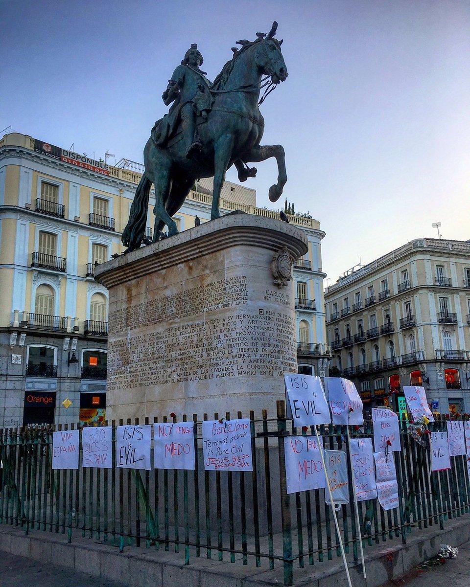 Así amanecía hoy la Puerta del Sol ¡Buenos días! #madrid #felizlunes h...