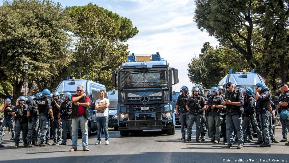 UN voices concern after #Rome migrant eviction https://t.co/jpFGEZoeuH