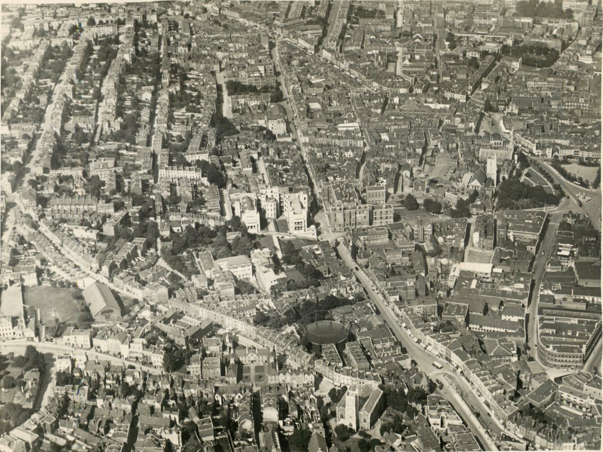 We'd love to share more historic postcards &amp; photos from #Bristol neighbourhoods, what areas would you like to see?  http:// maps.bristol.gov.uk/kyp/?edition=b ristol&amp;layer=Bristol%2520from%2520above&amp;mapbase=2016%2520Modern%2520OS%2520(colour)&amp;overlay=1844-1888%2520OS%252025%2522%25201st%2520Edition&amp;x=358583.29&amp;y=173290.75&amp;extent=3633.79 &nbsp; … <br>http://pic.twitter.com/McH9w2qLaU