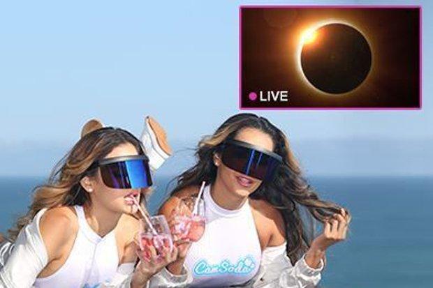 Solar Eclipse Cam Girls Xxx Website To Show Phenomenon With Naughty Twist Camsoda