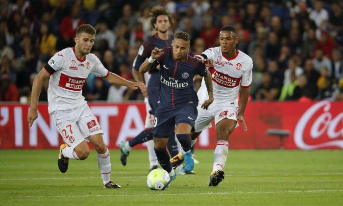 Neymar quebra recordes e encanta Paris https://t.co/z2LfNEzLvq
