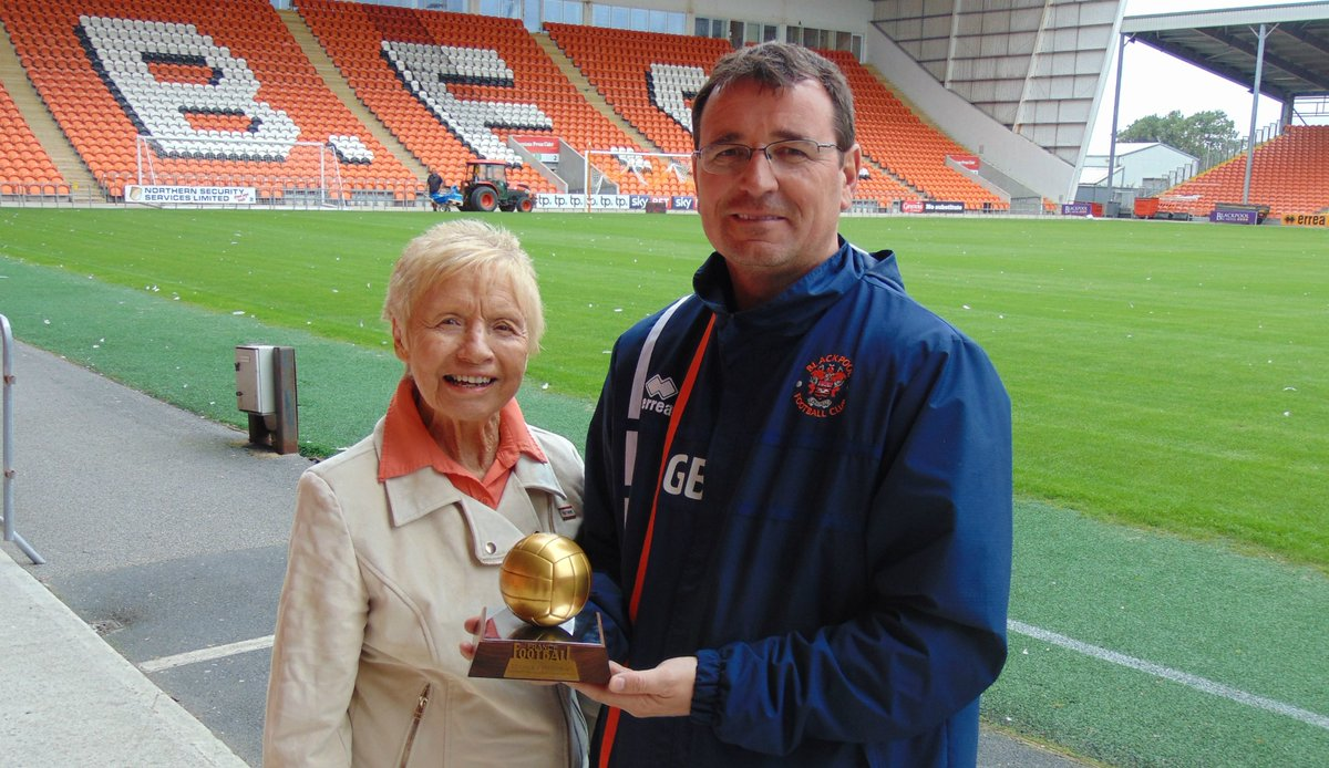 📷 The first ever Ballon d'Or, won by Sir Stanley Matthews in 1956, has been at Bloomfield Road today.