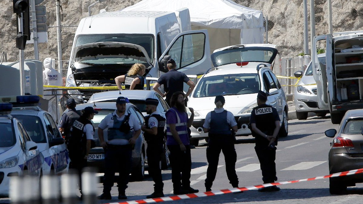 1 dead, 1 injured as van rams bus stops in Marseille, France > https://t.co/ujEAtat7cb