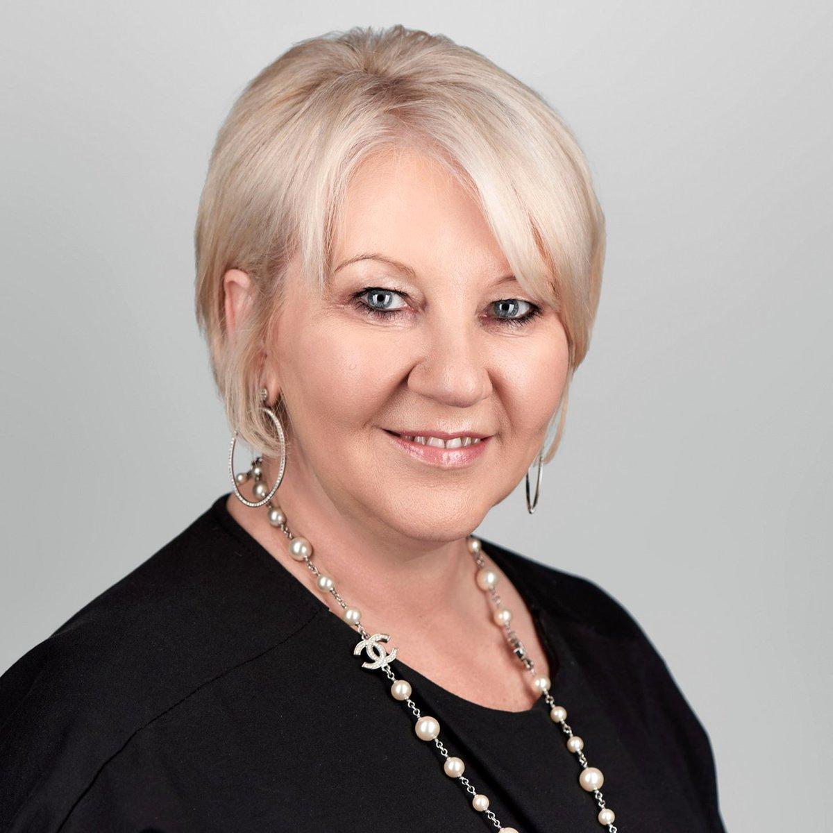 Read more about eg&#39;s Founder &amp; CEO, @ElizabethGooch MBE on #WorldEntrepreneursDay...  http:// egoptimize.com/about-eg-solut ions-plc/ &nbsp; …  #tech #womenintech  #BTRTG<br>http://pic.twitter.com/4rAQUDSNaq