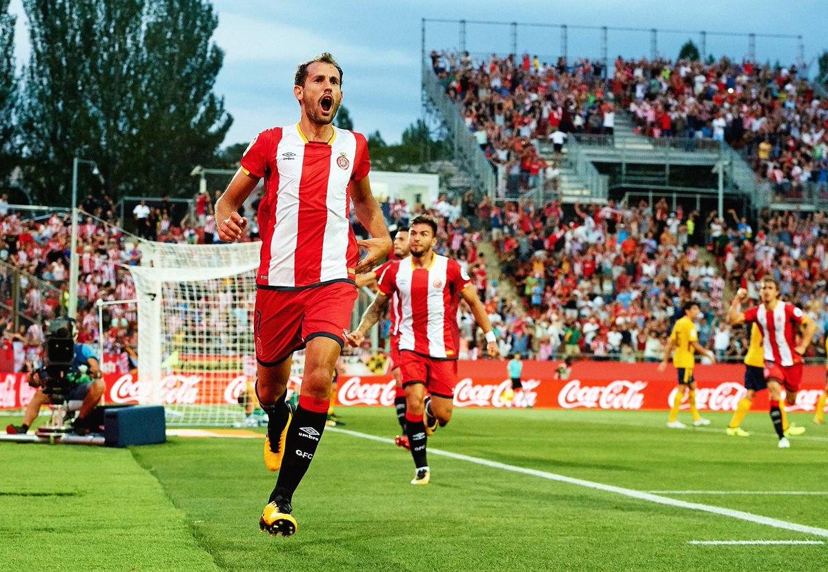 STATS: Cristhian Stuani has reached 44 goals in La Liga after his brace against #Atlético. All of his goals have come from inside the box. <br>http://pic.twitter.com/yrKgtXRhCE