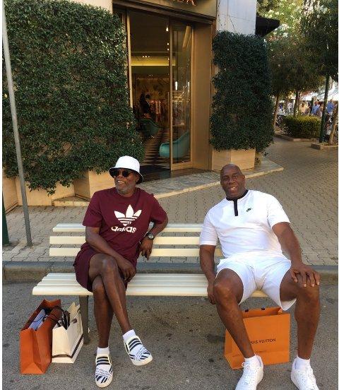 Magic Johnson et Samuel L. Jackson pris pour des migrants en Italie https://t.co/wD1aiVY2Fp
