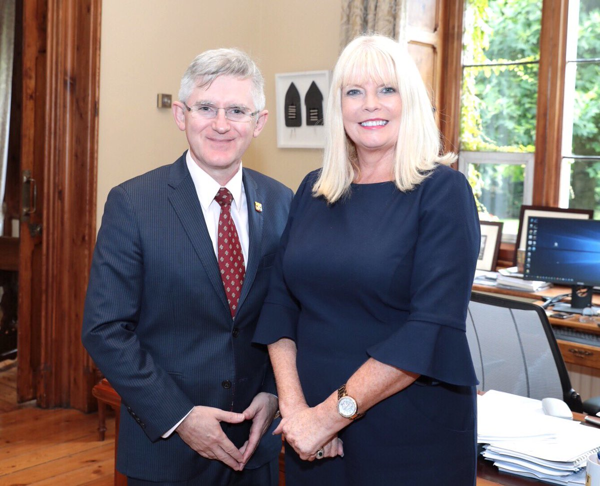 Brilliant to welcome @mitchelloconnor Minister of State for Higher #Education to @ucc on #CAO offers day Seen with @osheaucc #UCC President<br>http://pic.twitter.com/nvE4TsFTPx