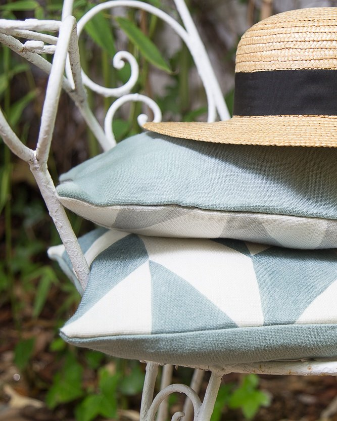 Cheerful afternoons  #lineale #fabrics #cushions #pillows #summer #villages #cottages #condos #interiordesign #interiorismo #decoracion<br>http://pic.twitter.com/46e0UAwtEe