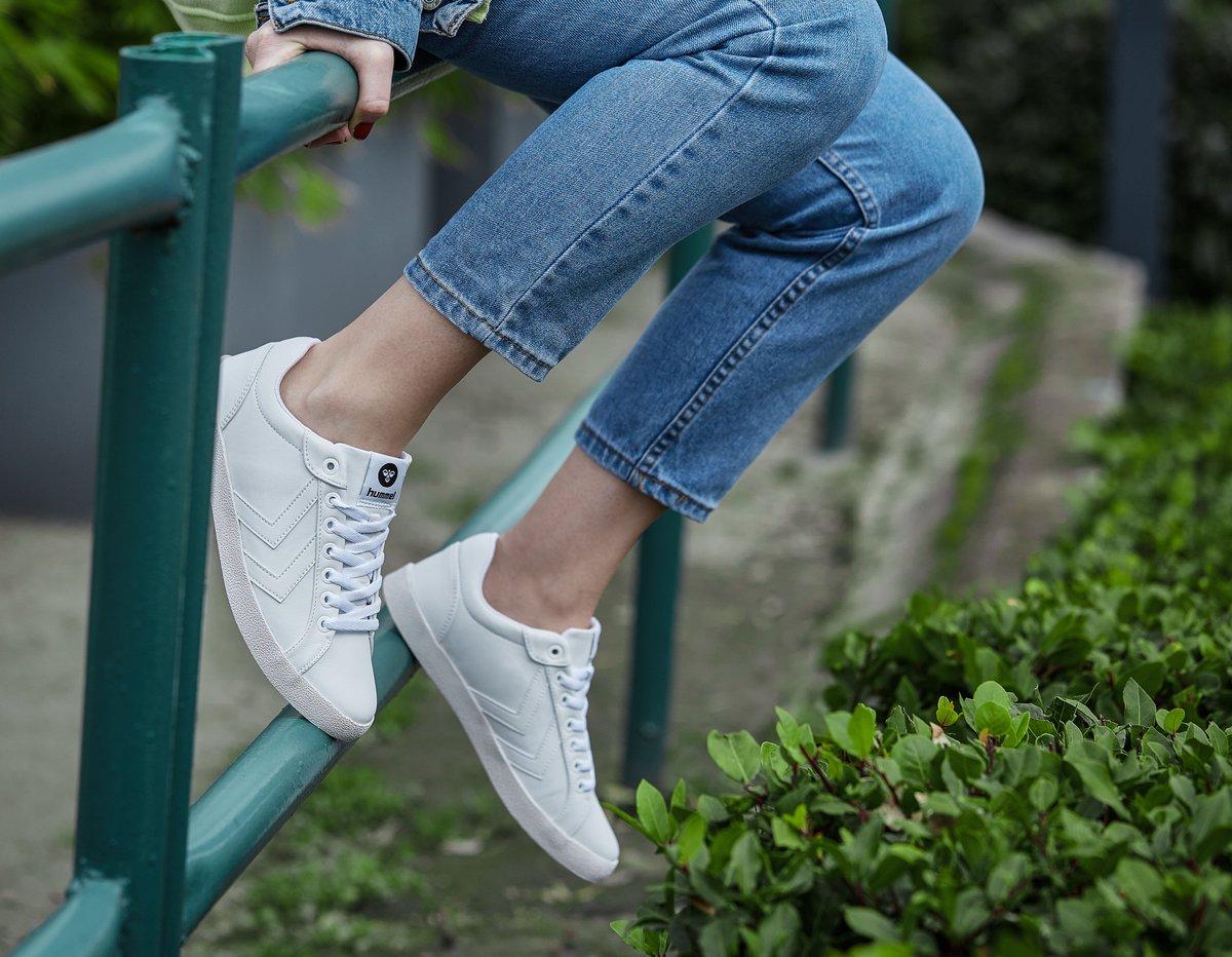 Hummel ile haftasonuna hazır mısın? #hummel #hummelshoes #sport #sneakers #white #ready #readytogo #weekend #Saturday #saturdayvibes #summer https://t.co/TbKnPE5qCS