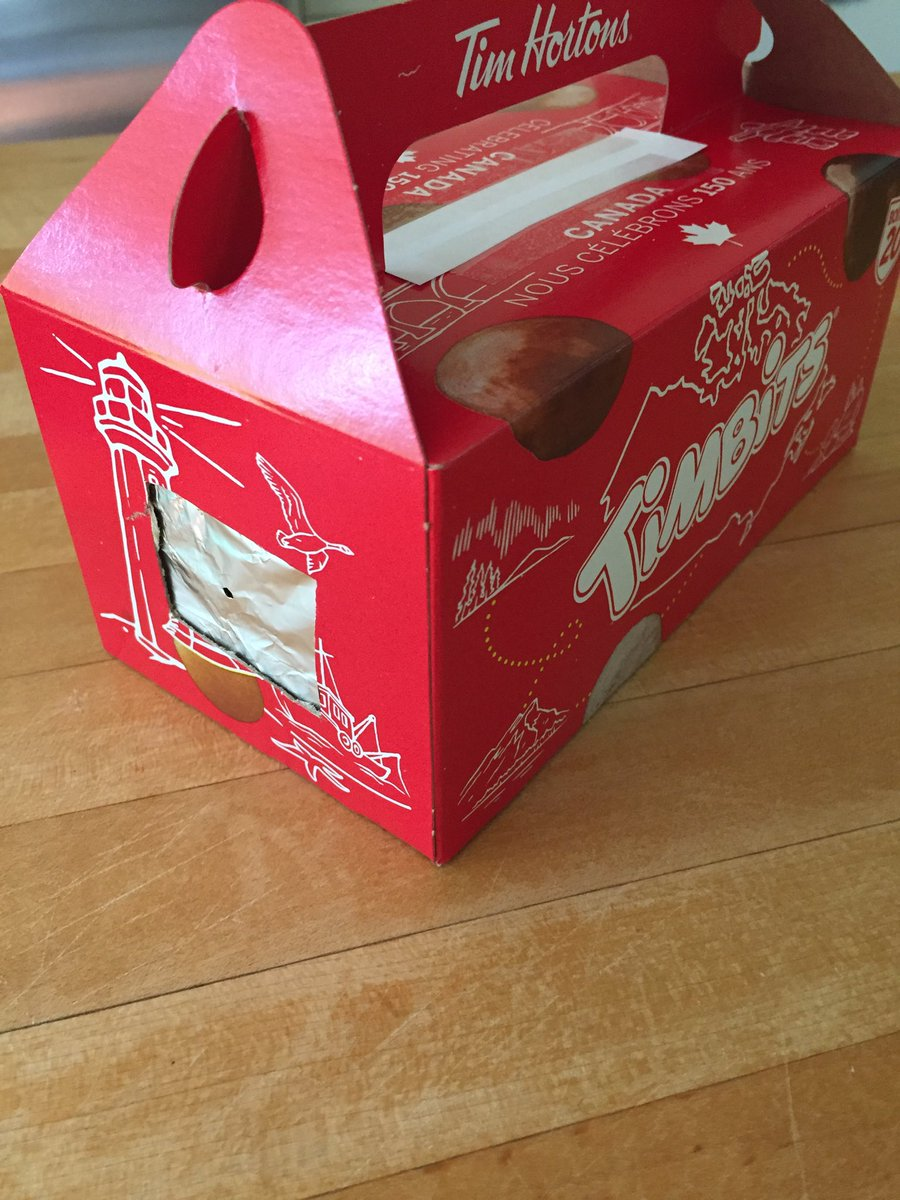 My family just made a projector for the solar eclipse using a #timbits box. #diyscience #canadian #timhortons<br>http://pic.twitter.com/JRf8qRClxd
