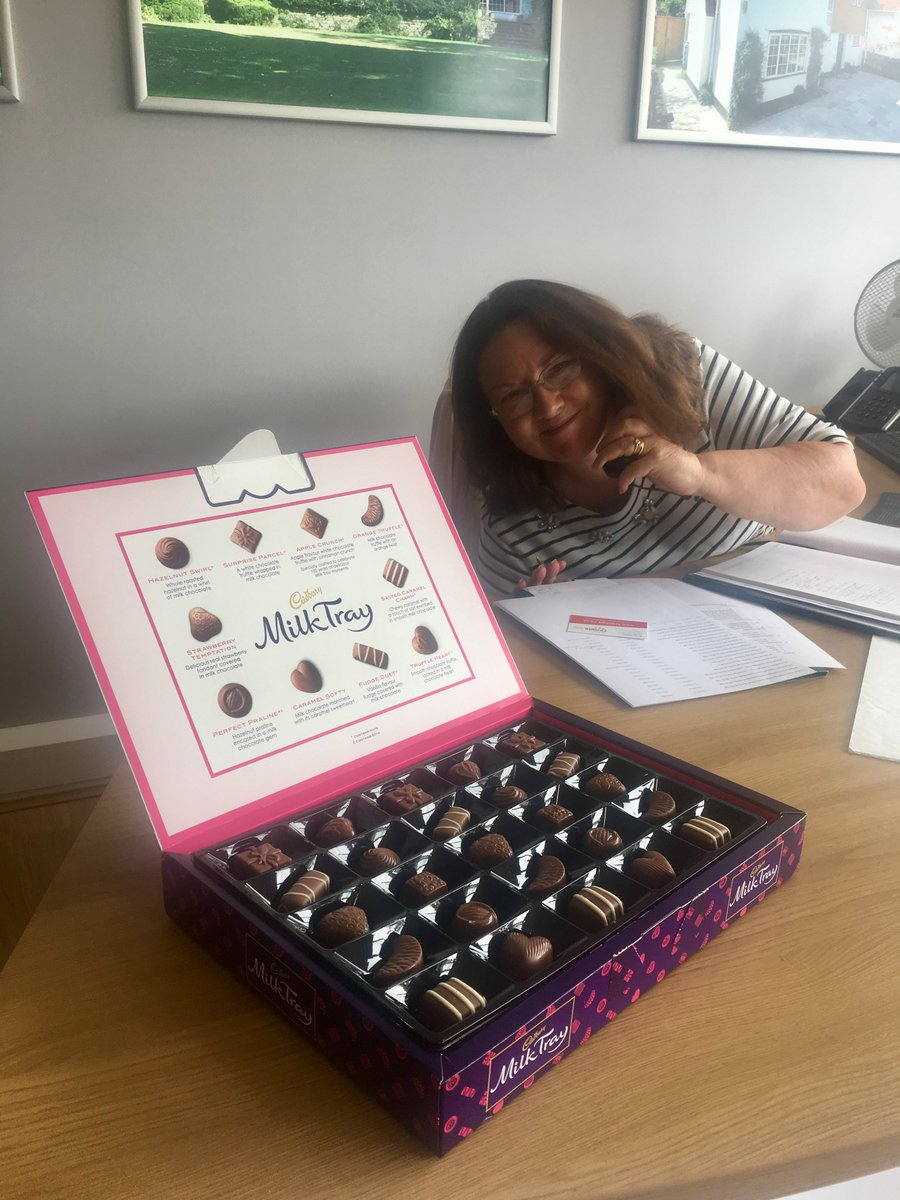 Excellent customer service is what V&amp;H Homes have built its reputation on. Chocolates are always a bonus! #customerservice #marketleaders <br>http://pic.twitter.com/7KnAYrsZ73