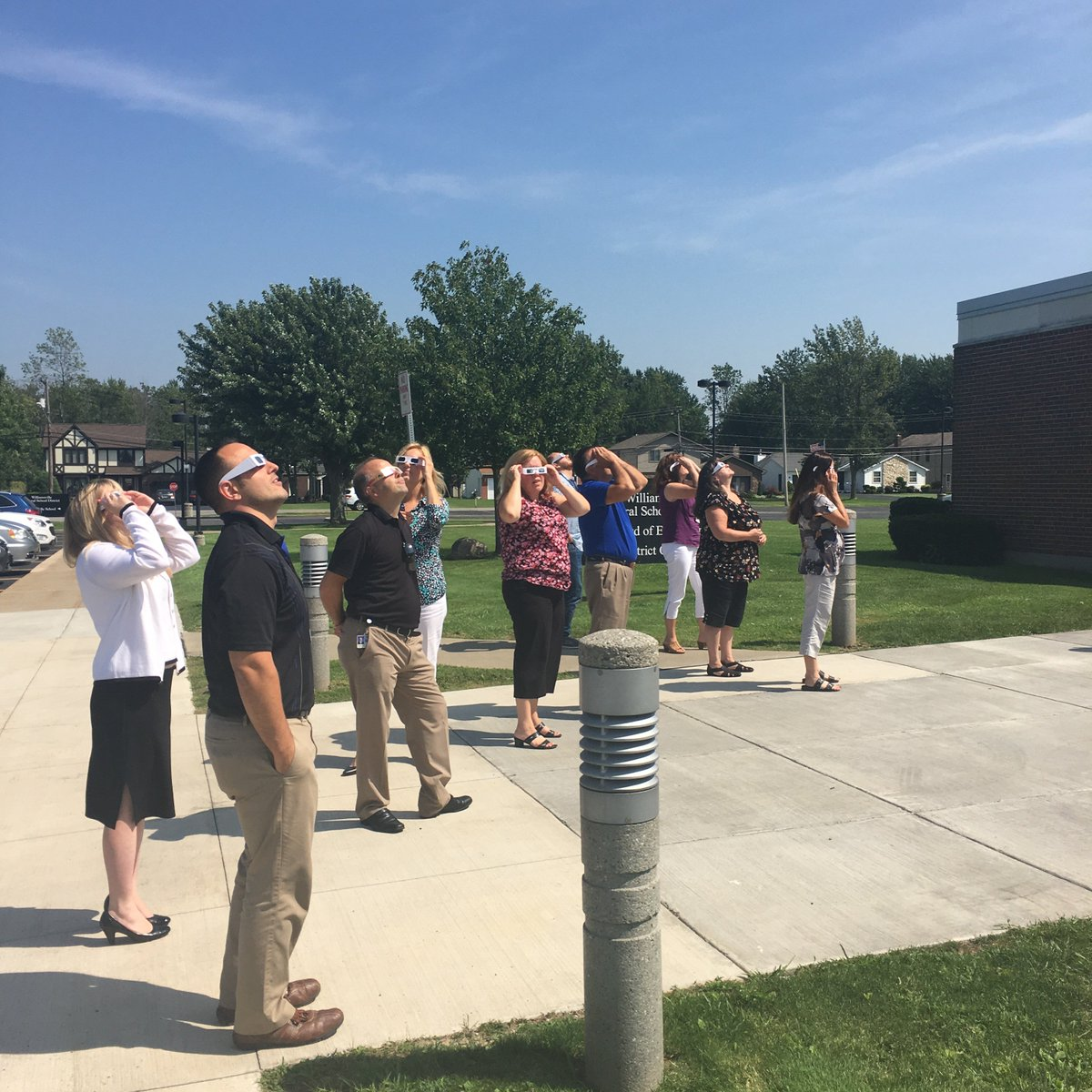 Williamsville Csd On Twitter All Eyes Skyward Outside The District