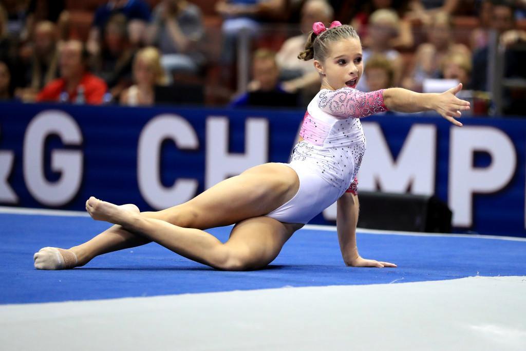 ragan smith rolls to us gymnastics title f06914d6b
