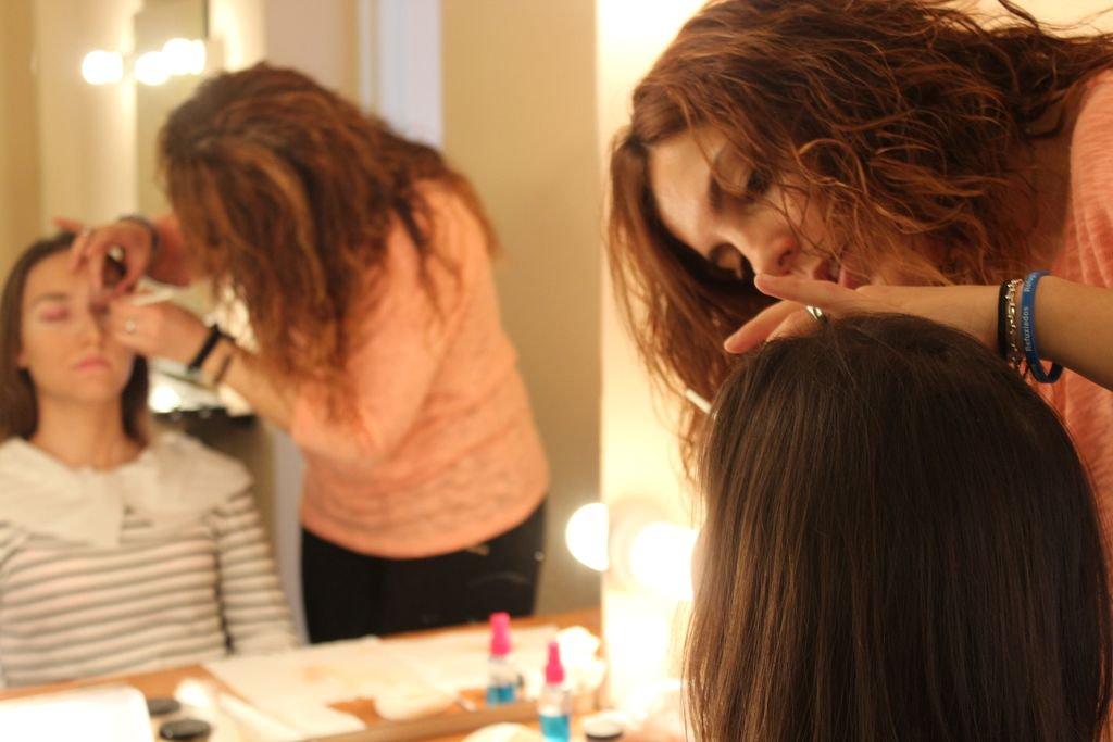Somos la Escuela más elegida por un gran número de #MaquilladoresProfesionales que tienen su sitio en el  de maquilladores en España. pic.twitter.com/qNbM5c5vqZ