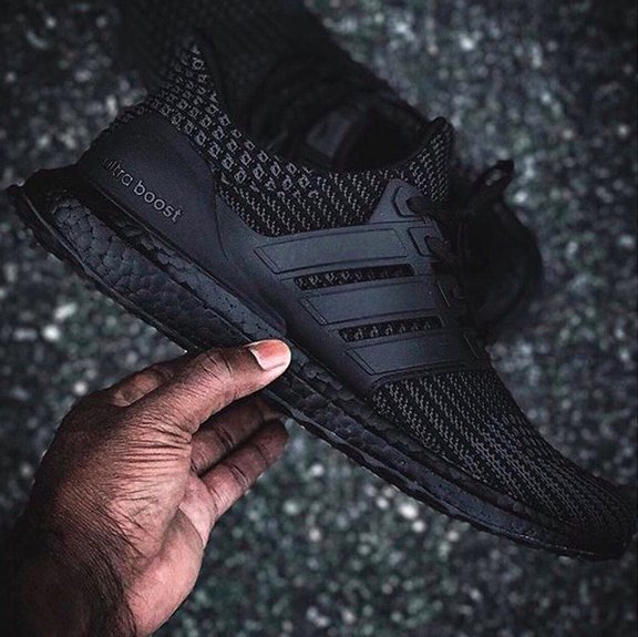 """#adidas gives the new Ultra Boost 4.0 a """"Triple Black"""" colorway:  http:// s.hsnob.co/n29oS9T  &nbsp;  <br>http://pic.twitter.com/pQnMHcXdA6"""