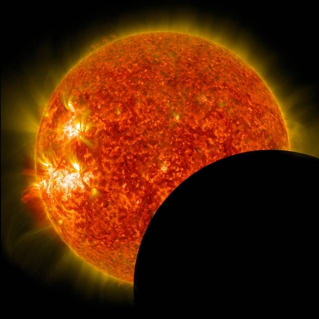 To demonstrate the power of the #trans community, we have arranged #SolarEclipse2017 this afternoon.  https:// buff.ly/2x6iqoy  &nbsp;   <br>http://pic.twitter.com/6QVDQjTKBT