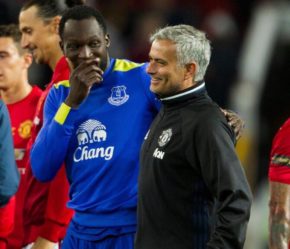 Lukaku: Boss, is #Zlatan  really signing for @ManUtd   Mourinho: yhup, he will be your backup<br>http://pic.twitter.com/1Vx8KPRN5Y