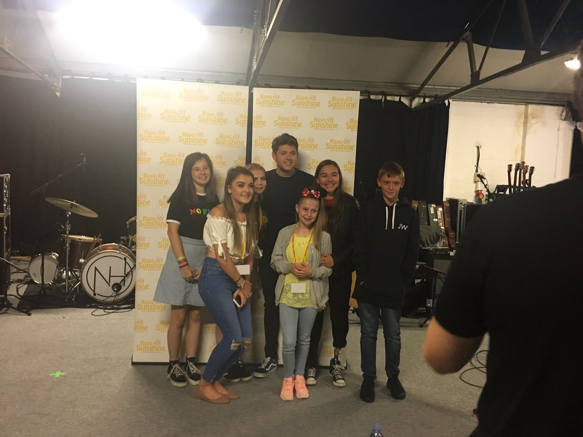 Niall with some fans at @RaysofSunshine in London today!!!  #NiallHoran #Niall #Horan #ThisTown #SlowHands<br>http://pic.twitter.com/Uhc6wb48b9