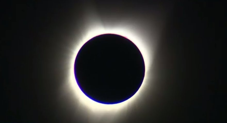 THERE IT IS FOLKS! TOTALITY ACHIEVED IN OREGON! #SolarEclipse2017 https://t.co/kz4ipG4oBd