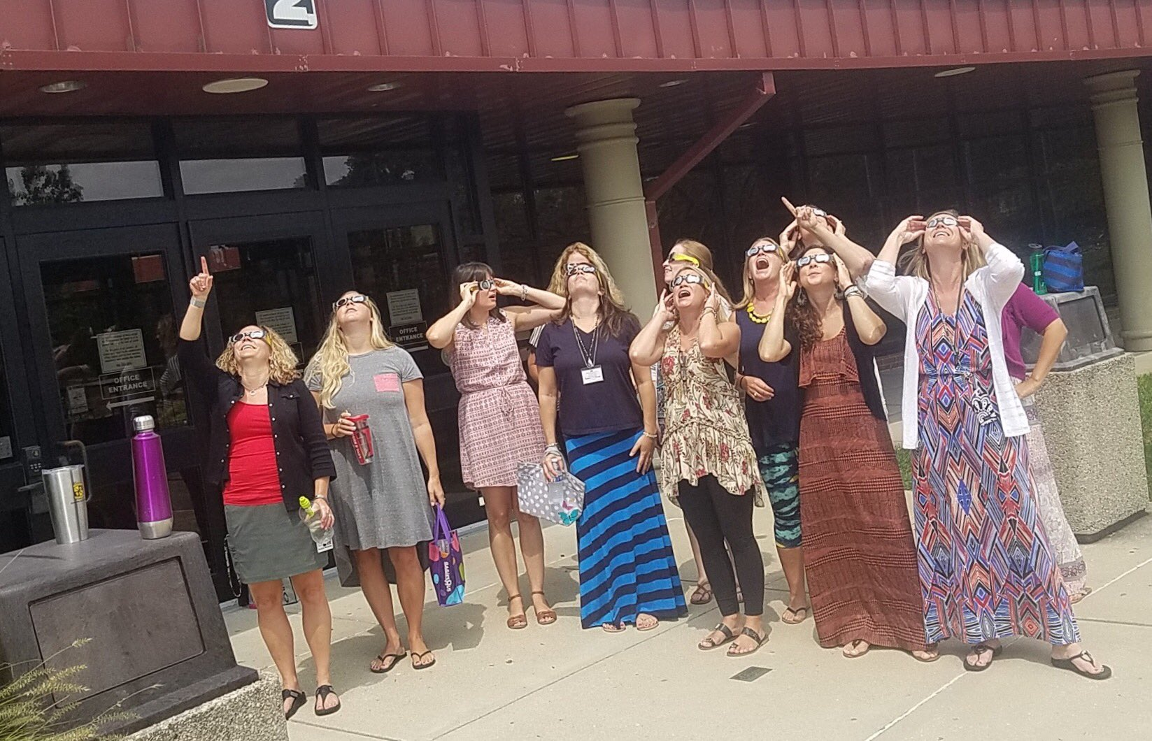 8th grade teachers check out the eclipse before taking students out to see it! Wow! @KarrerMS #SolarEclipse2017 #thedublindifference https://t.co/gYjabHVvC5