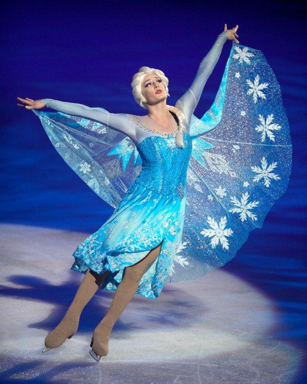 .@DisneyonIce #Frozen Comes to #Tampa @AmalieArena  http://www. havingfunsaving.com/disney-ice-fro zen-comes-tampa/ &nbsp; …  via @havingfunsaving #sponsored @FeldEnt #Disney #TampaBay<br>http://pic.twitter.com/lYBHE6EdXo