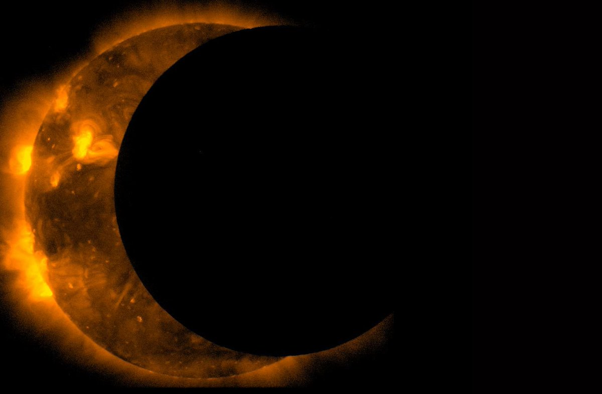 """""""Solar Eclipse"""" in Japanese is literally """"sun eating.""""  日食 → Read as にっしょく / nisshoku  日 = sun 食 = eat, meal https://t.co/oTpAggVRjK"""