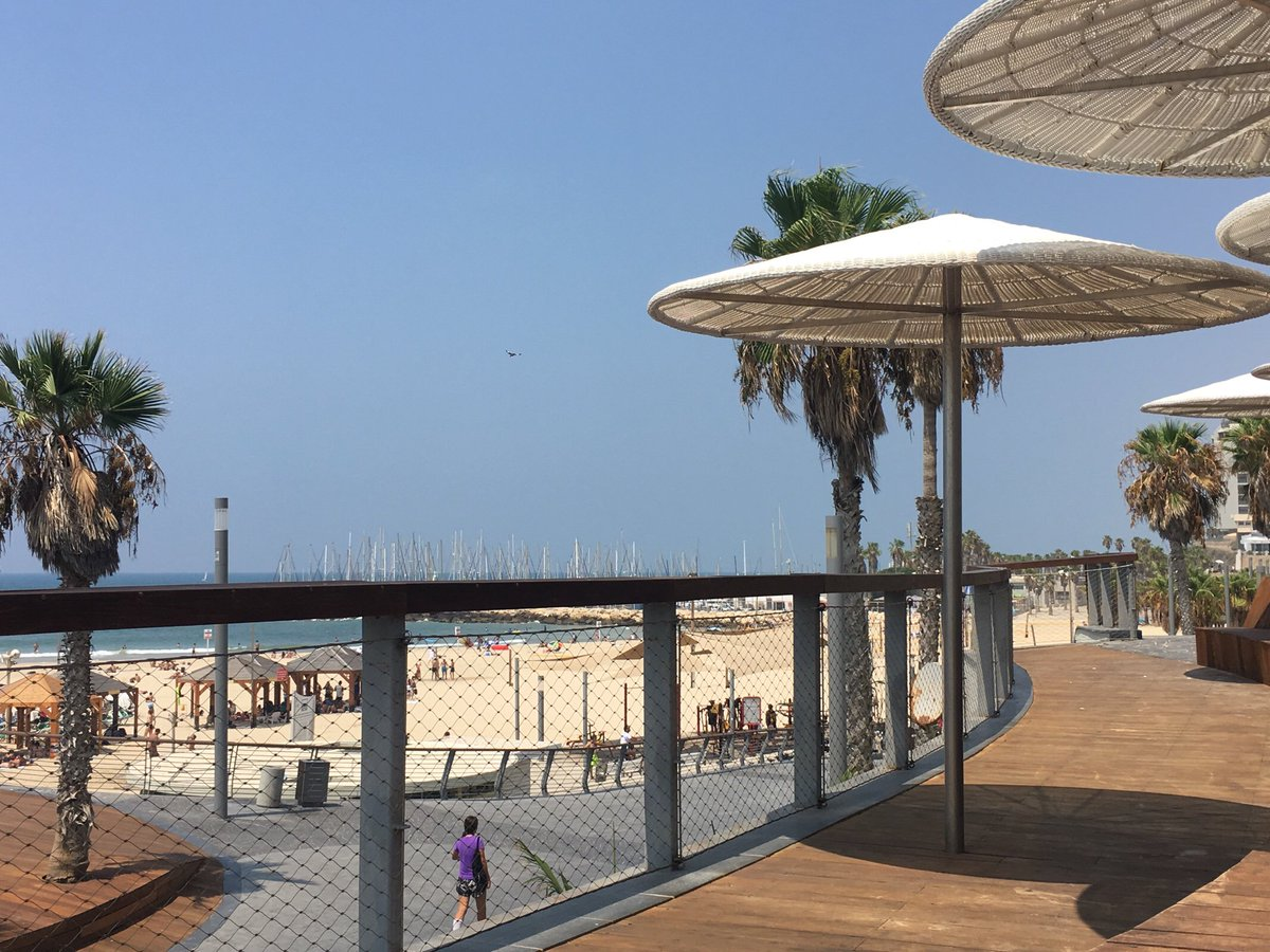 A #beach within reach in the #city of #sun  #Motivation for a sweet #vacation  #TelAviv  http:// crwd.fr/2w55amv  &nbsp;   <br>http://pic.twitter.com/pwgNFfioWd