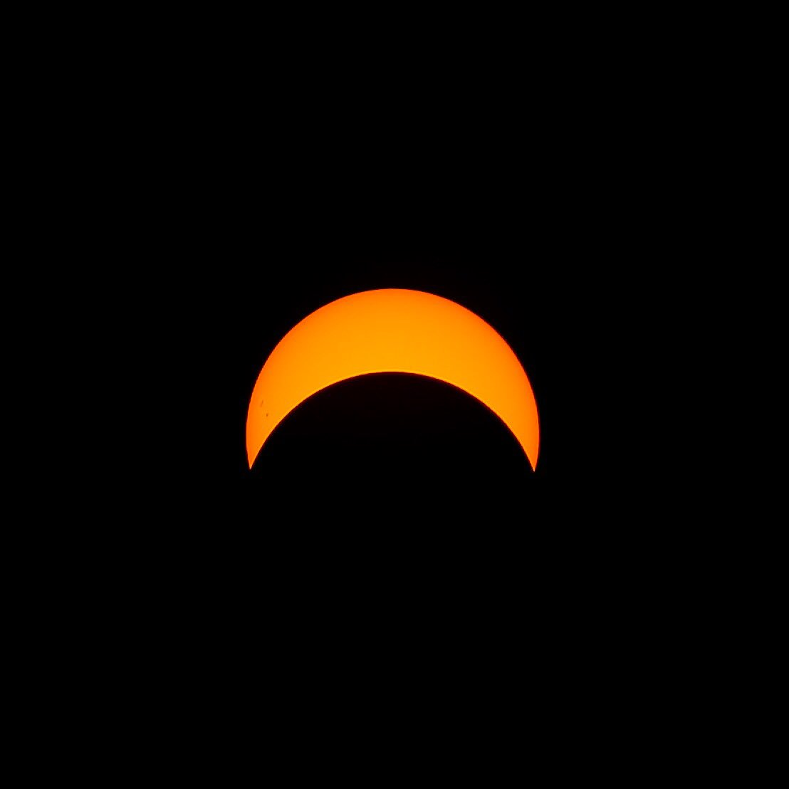 The #Eclipse2017  reaches its maximum coverage over #ygk <br>http://pic.twitter.com/AevcMpDtzg
