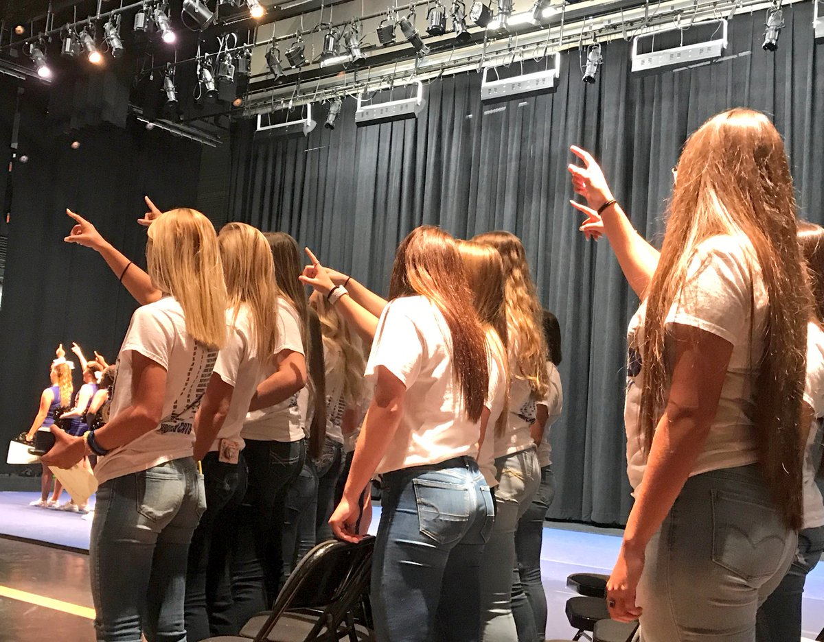 Amazing morning as @KrumHighSchool brought the whole school in to celebrate their 2017 Softball State Champs #RingCeremony #Congratulations <br>http://pic.twitter.com/96LObvjE3f