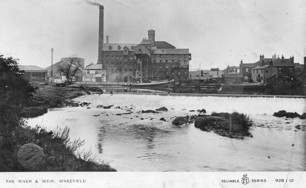Explore #Wakefield&#39;s Waterfront in #boat tours down the #Calder for @heritageopenday. 9 &amp; 10 Sept,  £5 / £4 Members  http://www. hepworthwakefield.org/whatson/herita ge-weekend-2017/ &nbsp; … <br>http://pic.twitter.com/pULYjVVUuN
