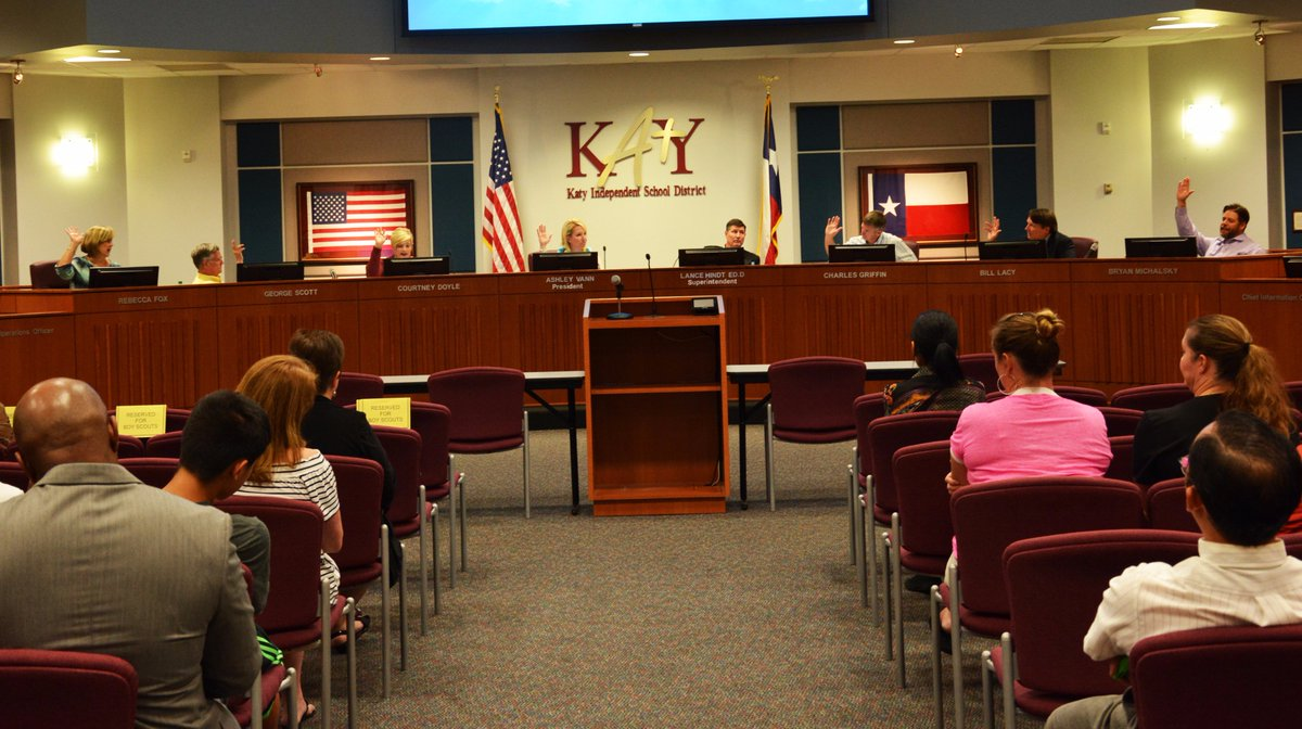 In unanimous 7-0 vote, the #katyisd #BOT has called for a school bond election to be held in the District for the 2017 Bond. <br>http://pic.twitter.com/tzjTWQM32T