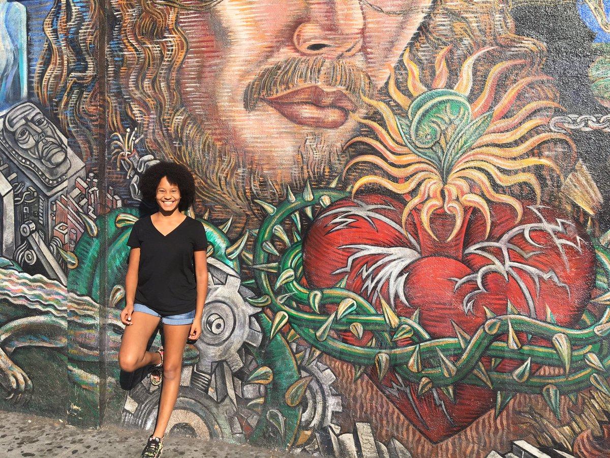 "#Murals #ChicanoArt #BoyleHeights #Blaxican pic.twitter.com/IzImFANCBY – at Caminarte ""artwalk"" @boyleheights"