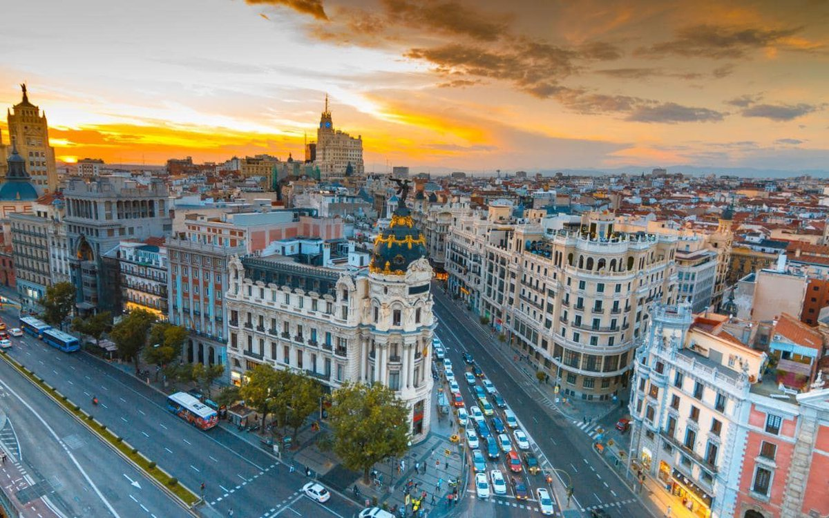 How to explore the city of #Madrid like a local.  http:// bit.ly/2vWL77p  &nbsp;  <br>http://pic.twitter.com/IJ4qoiPxzm