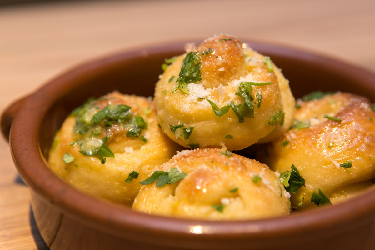 The #eclipse  may be over, but our #Garlic Knots are forever! Come in and enjoy our very popular garlic knots with our delicious #pizza!  <br>http://pic.twitter.com/D5tBQqP1kQ