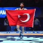RT @ikalin1: Turkish wrestler Metehan Başar wins g...