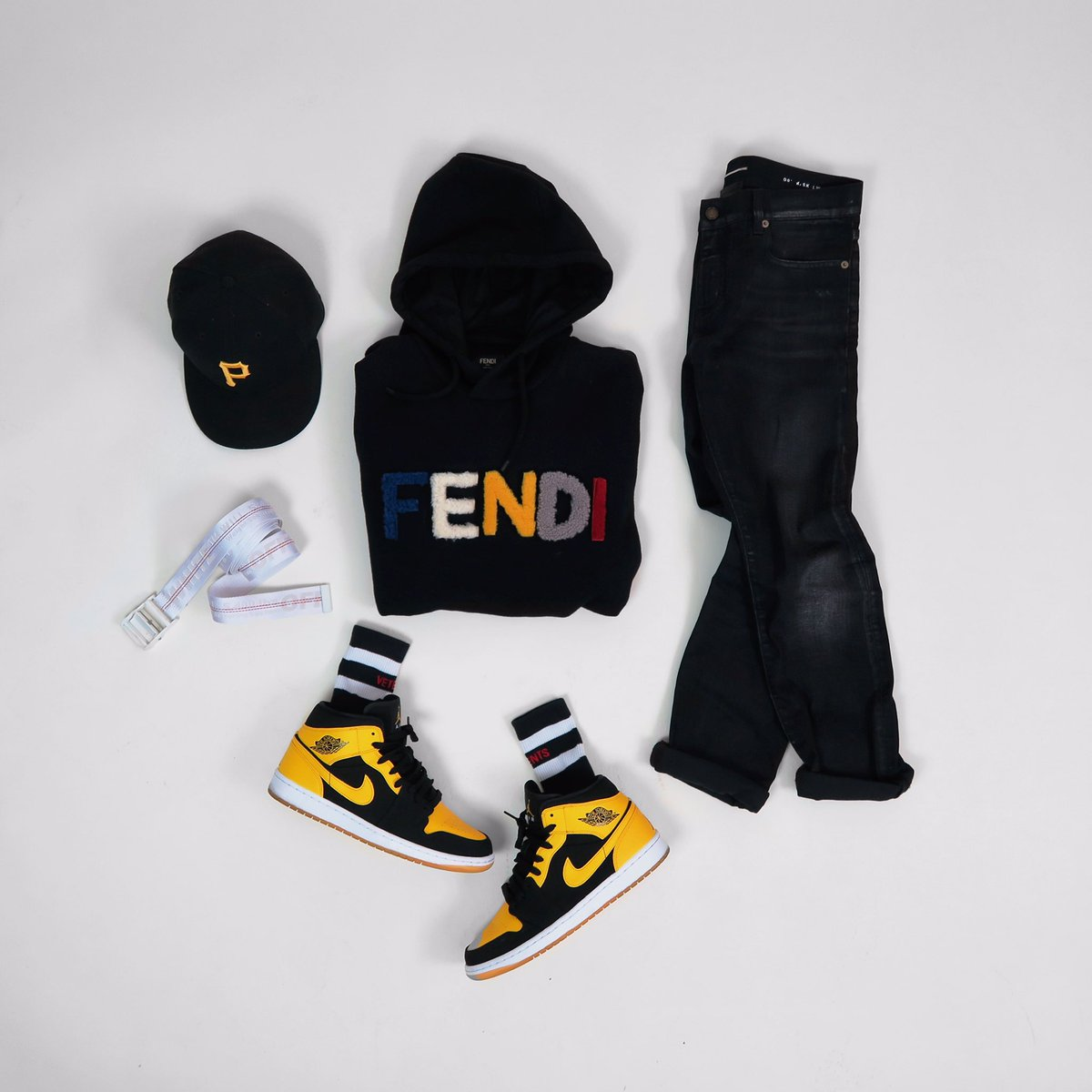 A level of it&#39;s own  #outfitgrid - #FendiFW17 #fendi #jordan1 #vetements #offwhite #saintlaurent #menstylist #menstyle #fashionformen<br>http://pic.twitter.com/Y7qfYafiYS