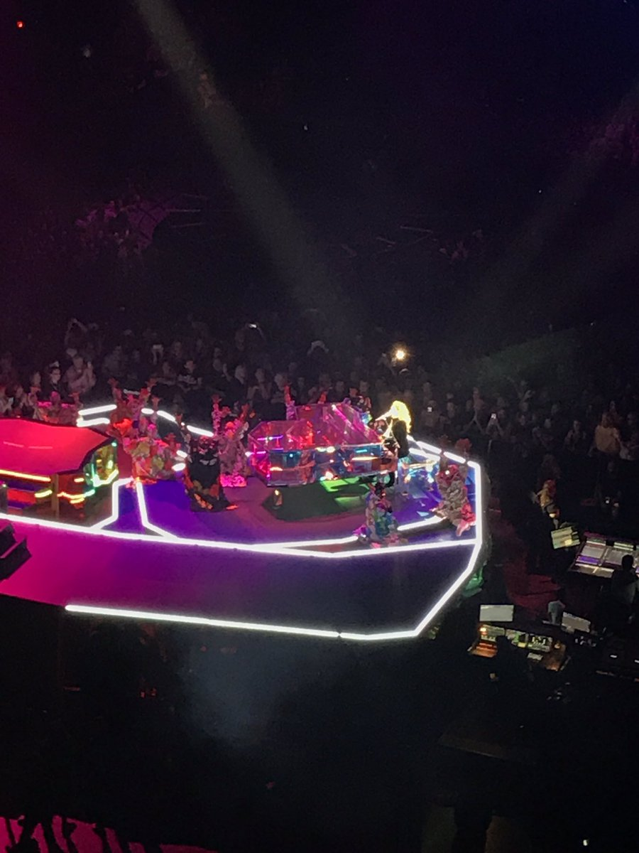 @ladygaga is a fucking American hero, let&#39;s get some statues of her put up! #spreadinglove #millionreasons #cometomama #allyouneedislove <br>http://pic.twitter.com/XcTnMFvbCG &ndash; bij Xcel Energy Center