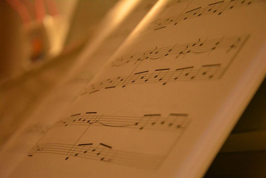 Популярные песни скачать песню бесплатно