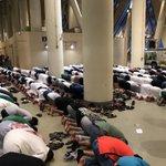 本格的お祈りの迫力!サッカーで見たイスラム教徒の信仰の篤さがよく分かる画像!