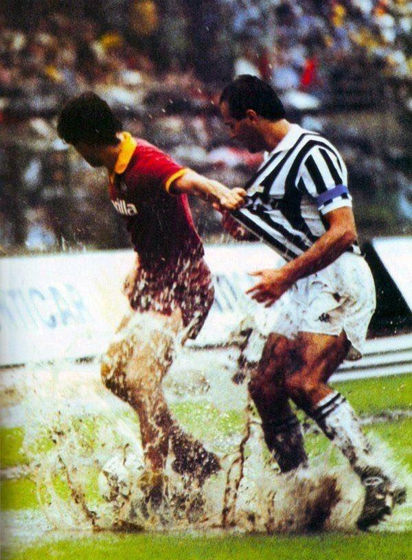 #GiuseppeGiannini and #AntonioCabrini dancing in the rain during #ASRoma v #Juventus #RomaJuve <br>http://pic.twitter.com/NjaYHXxi1C