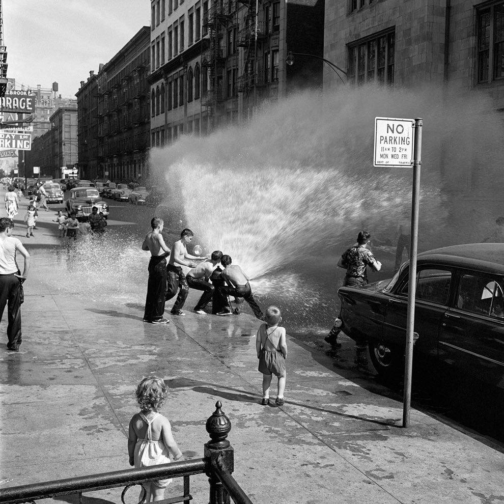 New York, 1954 Vivian Maier #photography  rt @Brindille_   https://t.co/T7U2Nbfcwz