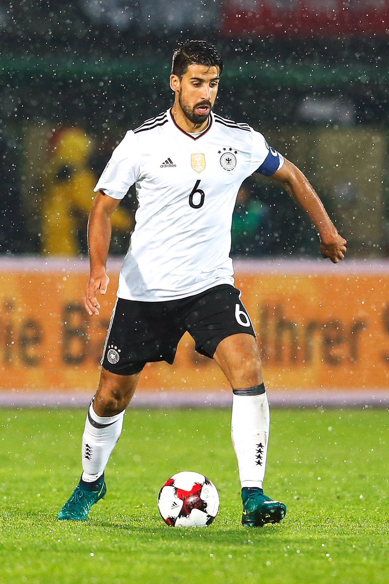 Sami Khedira a annoncé avoir acheté 1200 places pour Allemagne - Norvège, demain, afin de les offrir à des personnes défavorisées. 👏