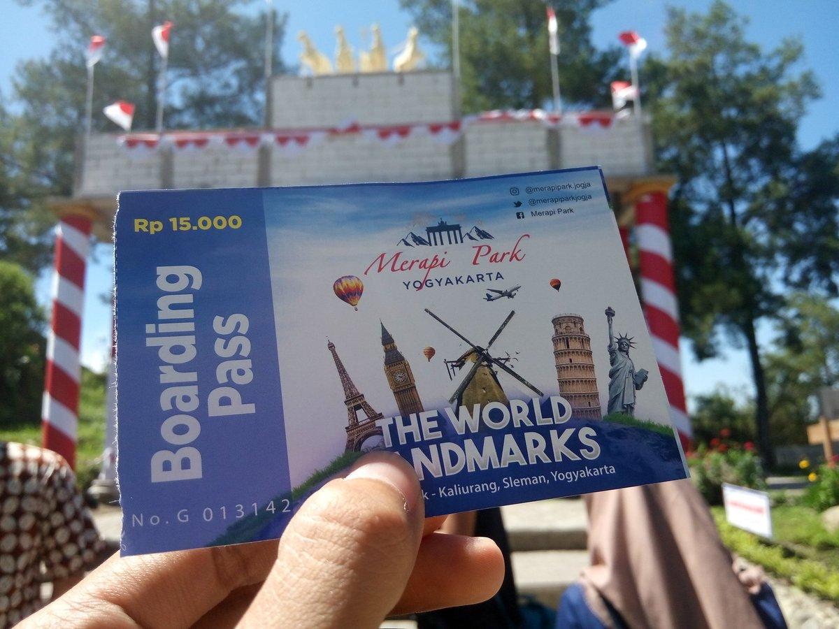 harga tiket masuk the world landmark Merapi park